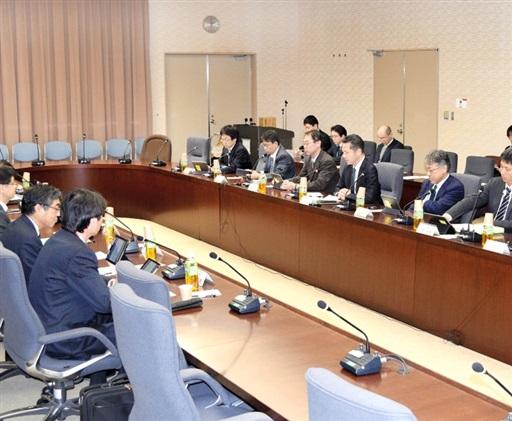 開発工程表の骨子をとりまとめた「高速炉開発会議」の作業部会=12月3日、経済産業省
