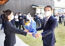 野瀬町長「魅力ある高浜町へ」 初登庁式で抱負