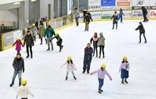 スケート場、曇り続き増す人気 ニューサンピア敦賀