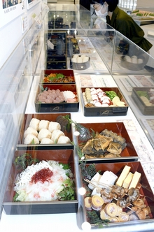 日本が誇る「弁当」文化を紹介 小浜市食文化館で企画展、江戸期の弁当箱など資料100点