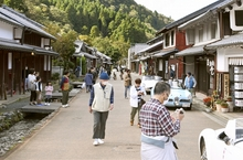 熊川宿に忍者道場や給食カフェ 若者の新規出店相次ぐ