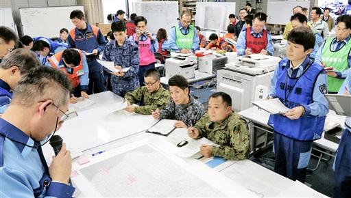 化学テロなどへの対応を確認した図上訓練=1月9日、福井県庁
