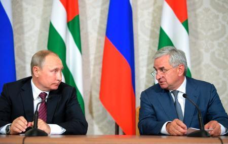 ロシア大統領がアブハジア訪問 ...